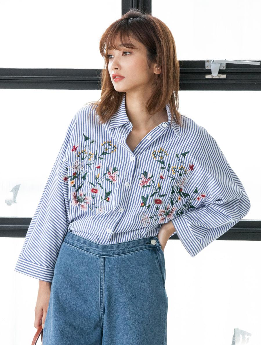 【fifth/フィフス】フラワー刺繍ストライプシャツ