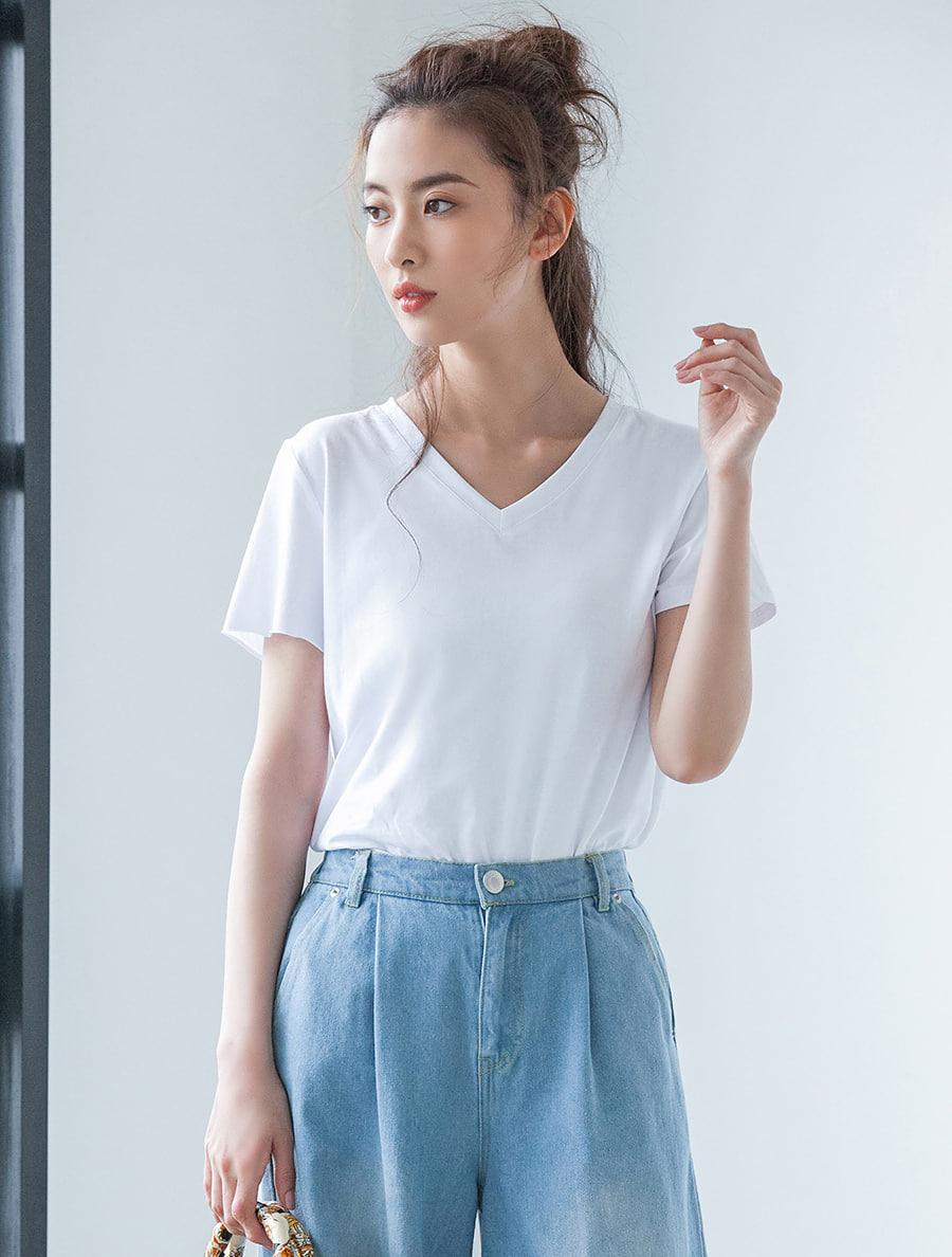 【fifth/フィフス】VネックストレッチシンプルTシャツ