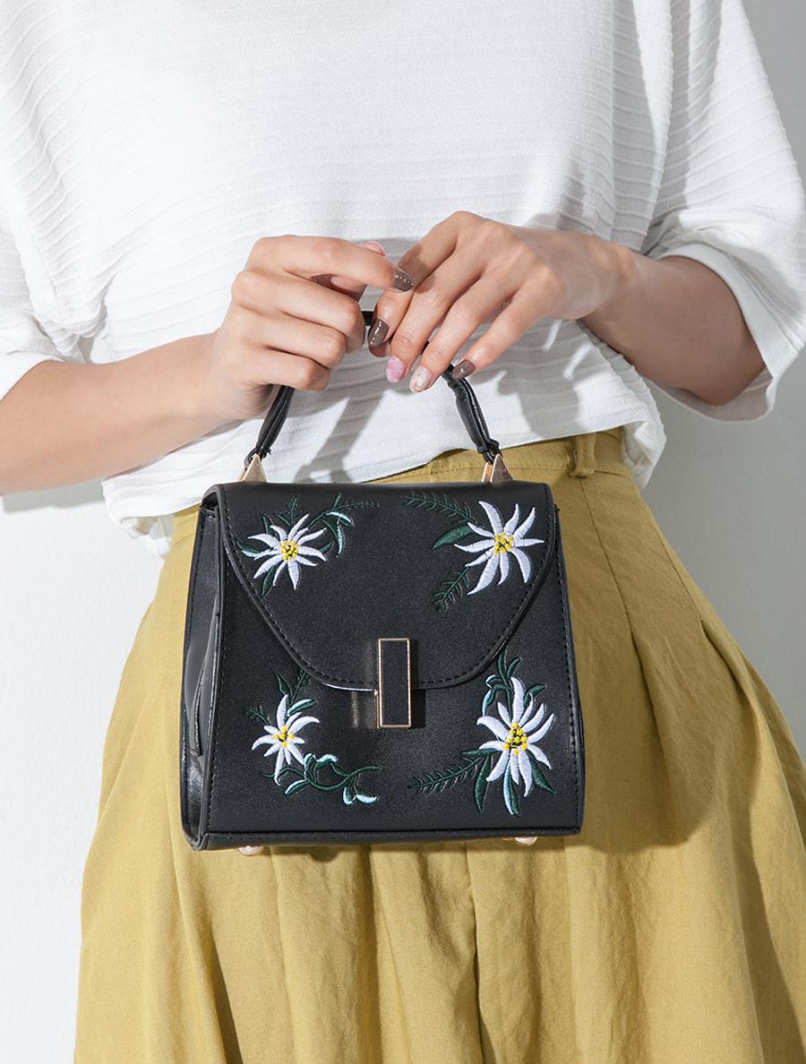 【fifth/フィフス】刺繍デザインスクエア2wayバッグ